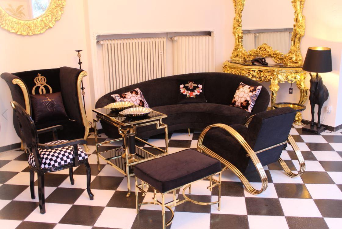 Luxus Möbel Gold von Casa Padrino in den Ausstellungsräumen in Essen Fischlaken