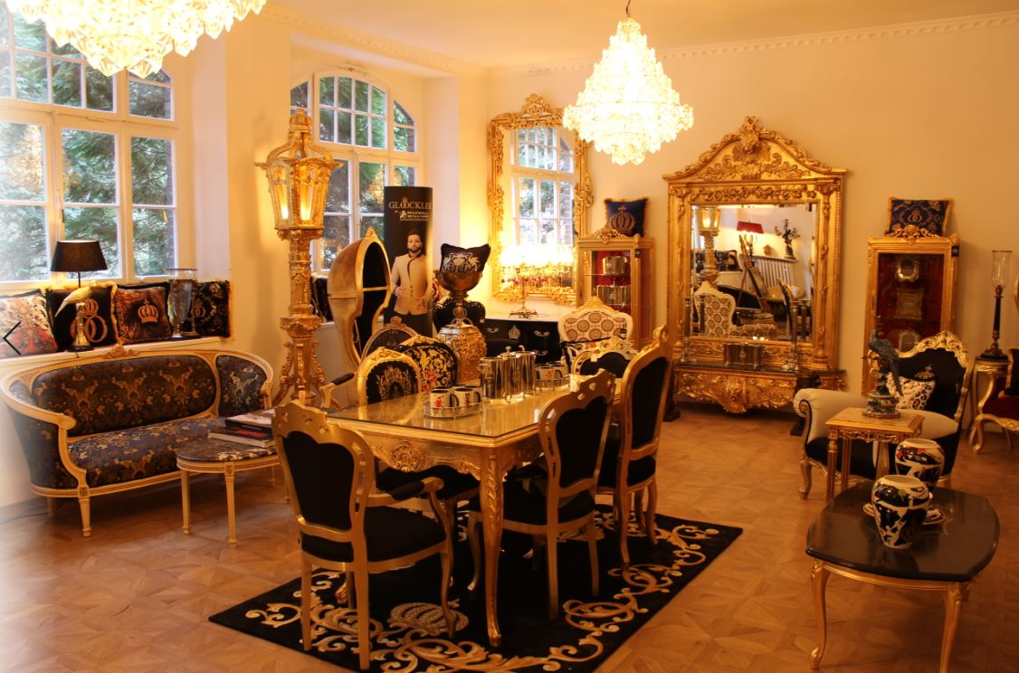 Harald Glööckler Luxus Barock Möbel & Wohndeko Showroom Essen